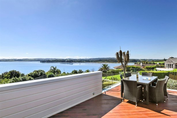 210 Sandspit Road, Shelly Park, Auckland - NZL (photo 4)