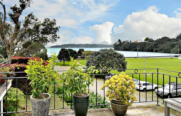 20 Fife Street, Westmere, Auckland - NZL (photo 2)