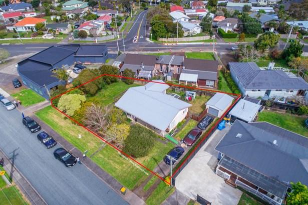 2 Abbotleigh Avenue, Te Atatu Peninsula, Auckland - NZL (photo 1)