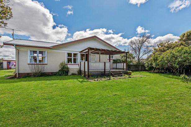2 Abbotleigh Avenue, Te Atatu Peninsula, Auckland - NZL (photo 4)