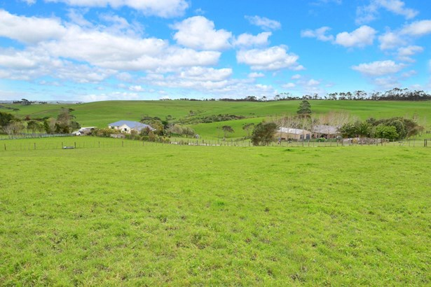 1491 Old North Road, Helensville, Auckland - NZL (photo 2)