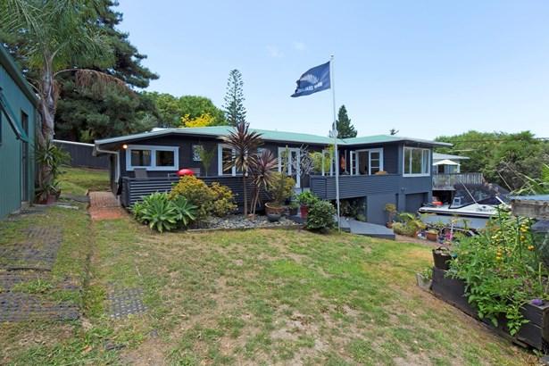 616 Whangaparaoa Road, Stanmore Bay, Auckland - NZL (photo 5)