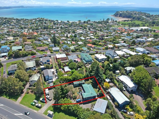 616 Whangaparaoa Road, Stanmore Bay, Auckland - NZL (photo 4)