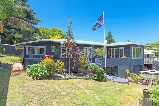 616 Whangaparaoa Road, Stanmore Bay, Auckland - NZL (photo 1)