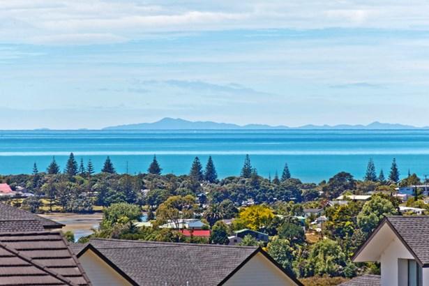 64 Manuel Road, Silverdale, Auckland - NZL (photo 4)