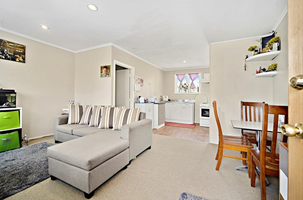 2/50 Blockhouse Bay Road, Avondale, Auckland - NZL (photo 3)