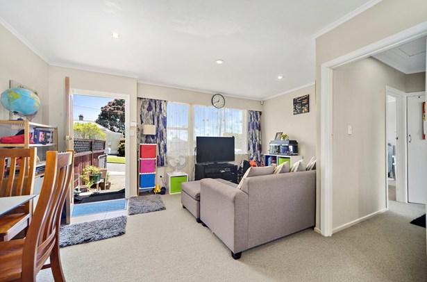 2/50 Blockhouse Bay Road, Avondale, Auckland - NZL (photo 2)