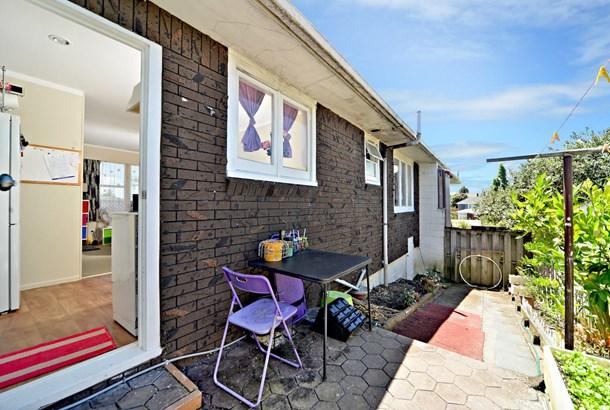 2/50 Blockhouse Bay Road, Avondale, Auckland - NZL (photo 4)