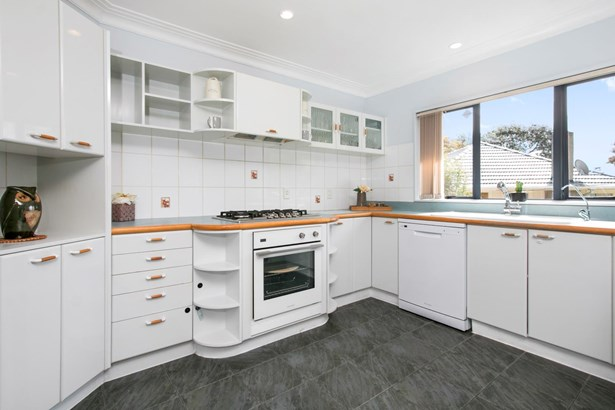 113a Astley Avenue, New Lynn, Auckland - NZL (photo 4)