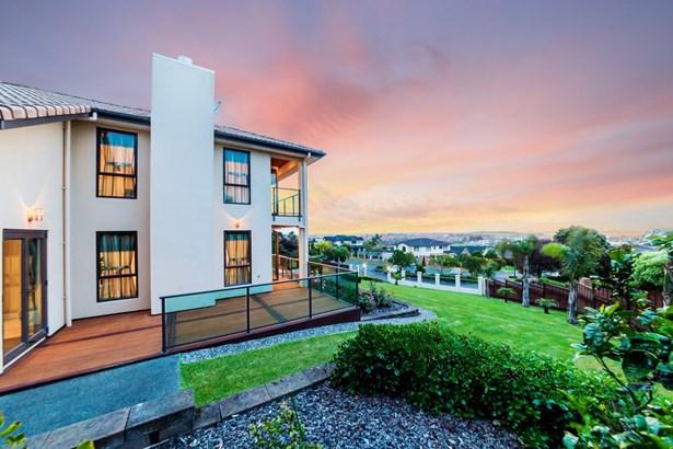 12 Drumquin Rise, Point View, Auckland - NZL (photo 4)