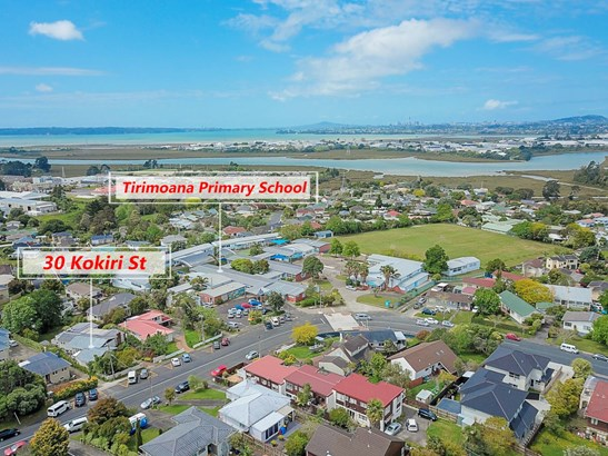 30 Kokiri Street, Te Atatu South, Auckland - NZL (photo 2)