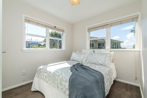 30 Kokiri Street, Te Atatu South, Auckland - NZL (photo 5)