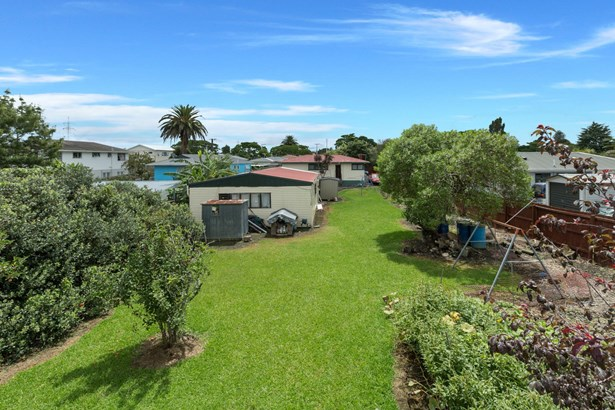 126 Canal Road, Avondale, Auckland - NZL (photo 2)