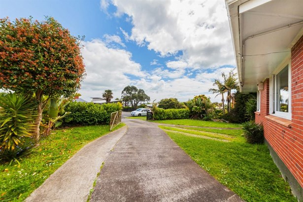 60 Bradbury Road, Highland Park, Auckland - NZL (photo 5)