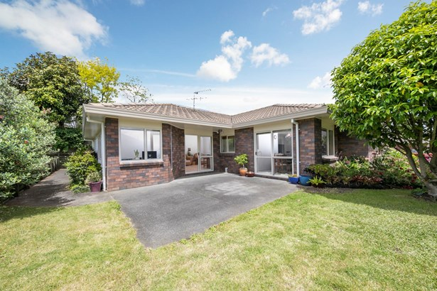 18 Orohena Close, Northpark, Auckland - NZL (photo 2)