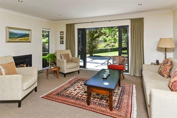 56 Coatesville Heights, Coatesville, Auckland - NZL (photo 5)