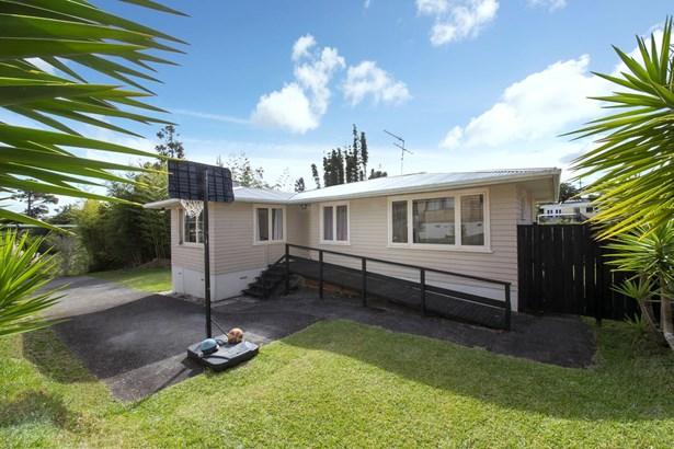 1/16 Aronui Terrace, Kelston, Auckland - NZL (photo 1)