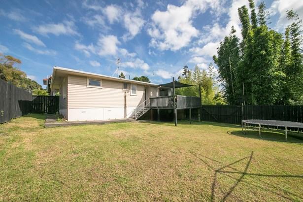 1/16 Aronui Terrace, Kelston, Auckland - NZL (photo 4)
