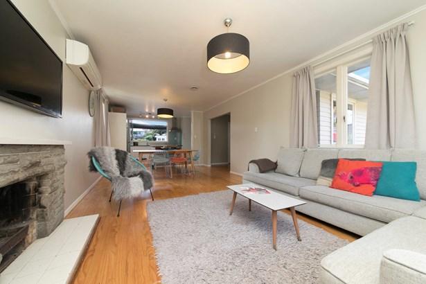 1/16 Aronui Terrace, Kelston, Auckland - NZL (photo 5)