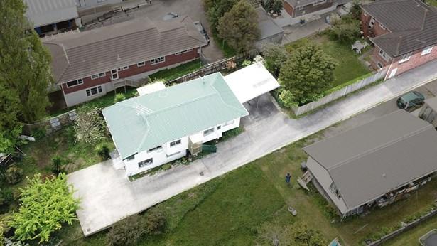 29a Woodglen Road, Glen Eden, Auckland - NZL (photo 2)