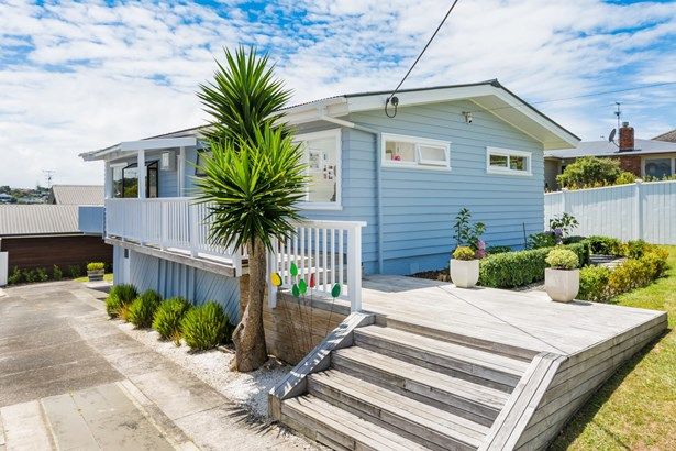 72 Pupuke Road, Hillcrest, Auckland - NZL (photo 1)