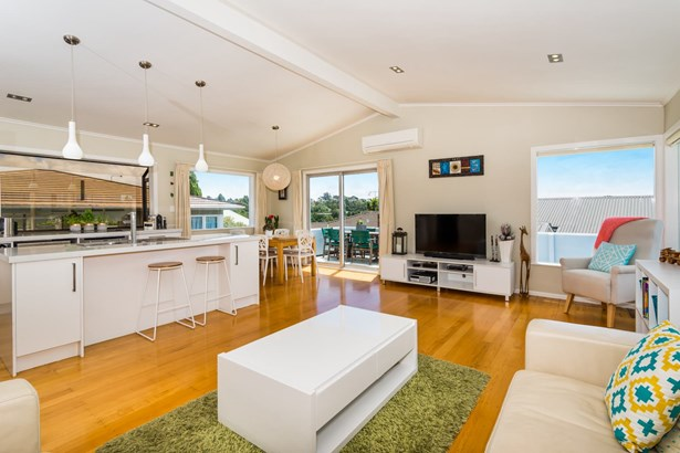 72 Pupuke Road, Hillcrest, Auckland - NZL (photo 5)