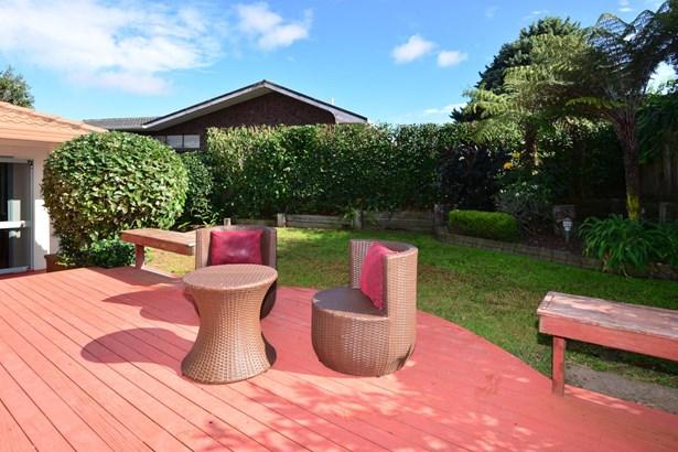 1 Halldene Terrace, Red Beach, Auckland - NZL (photo 5)