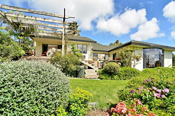 4 San Martin Place, Goodwood Heights, Auckland - NZL (photo 3)