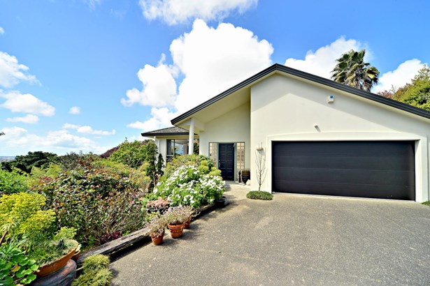 4 San Martin Place, Goodwood Heights, Auckland - NZL (photo 4)
