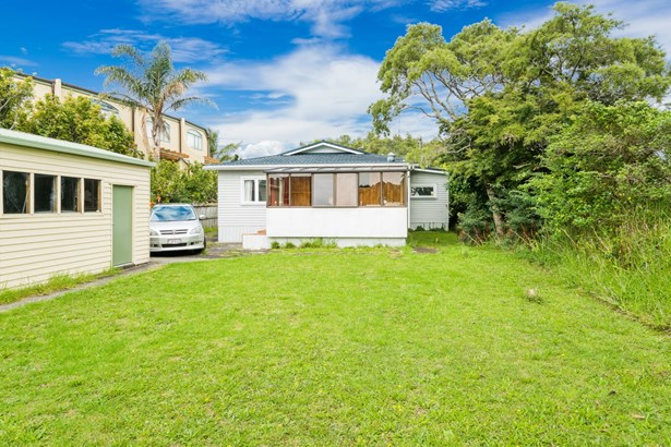 5 Hillcrest Avenue, Hillcrest, Auckland - NZL (photo 5)