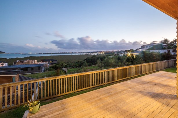 28b Bannings Way, Hobsonville, Auckland - NZL (photo 2)