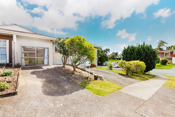 1/68 Sorrel Crescent, Bucklands Beach, Auckland - NZL (photo 2)