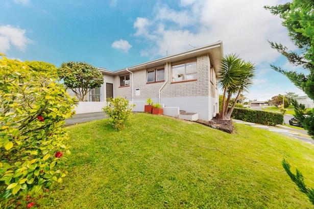 1/68 Sorrel Crescent, Bucklands Beach, Auckland - NZL (photo 3)