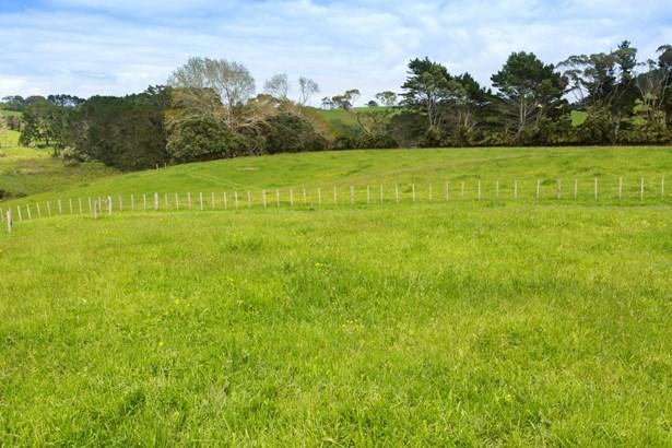 270 & 272 Hatton Road, Matakawau, Auckland - NZL (photo 5)