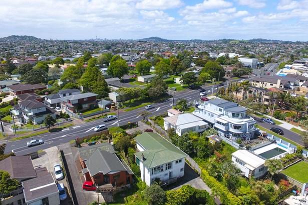 143 Donovan Street, Blockhouse Bay, Auckland - NZL (photo 3)