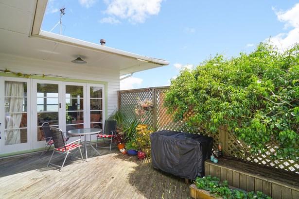 143 Donovan Street, Blockhouse Bay, Auckland - NZL (photo 4)