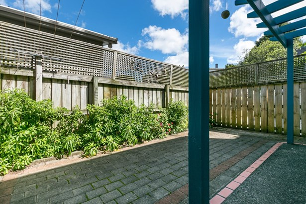 16b Church Street, Onehunga, Auckland - NZL (photo 5)