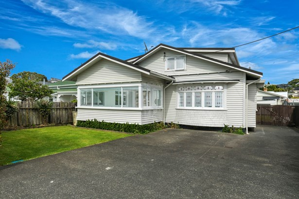 24 Sulphur Beach Road, Northcote Point, Auckland - NZL (photo 3)