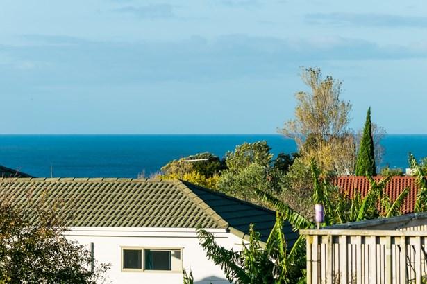 2 Ridge Road, Browns Bay, Auckland - NZL (photo 2)