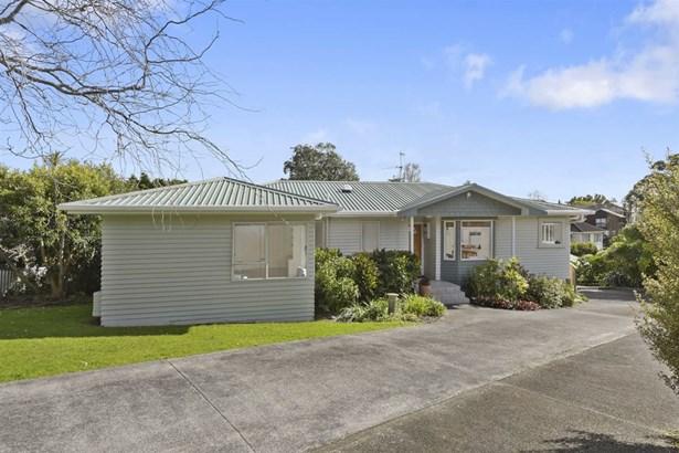 325 Hillsborough Road, Mt Roskill, Auckland - NZL (photo 2)