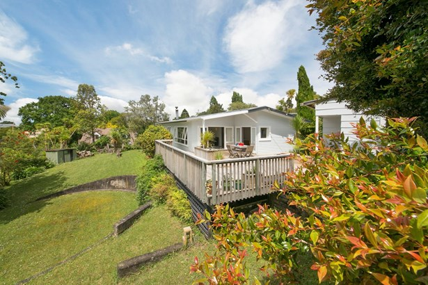 12a Eastglen Road, Glen Eden, Auckland - NZL (photo 2)