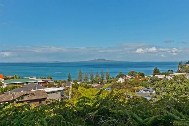 845 Beach Road, Browns Bay, Auckland - NZL (photo 2)