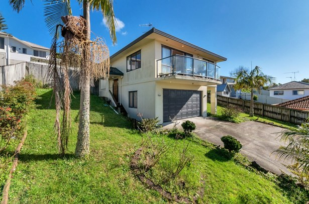 104 Kamara Road, Glen Eden, Auckland - NZL (photo 3)