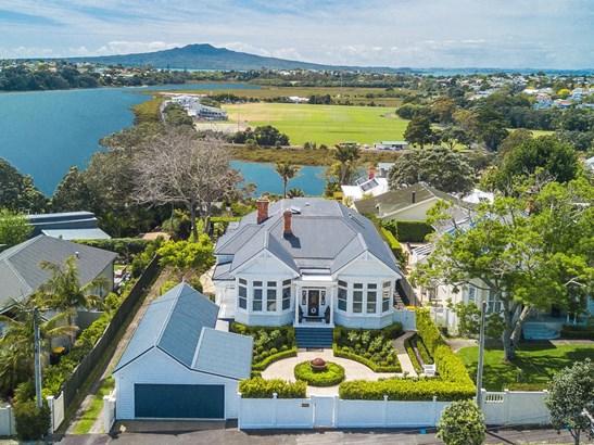 4 First Avenue, Devonport, Auckland - NZL (photo 2)