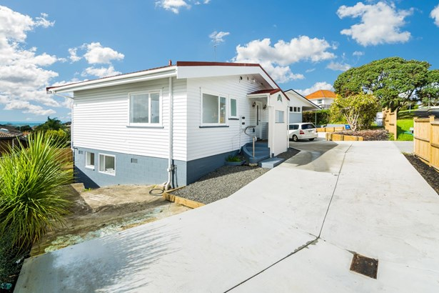 3 Clematis Avenue, Murrays Bay, Auckland - NZL (photo 3)