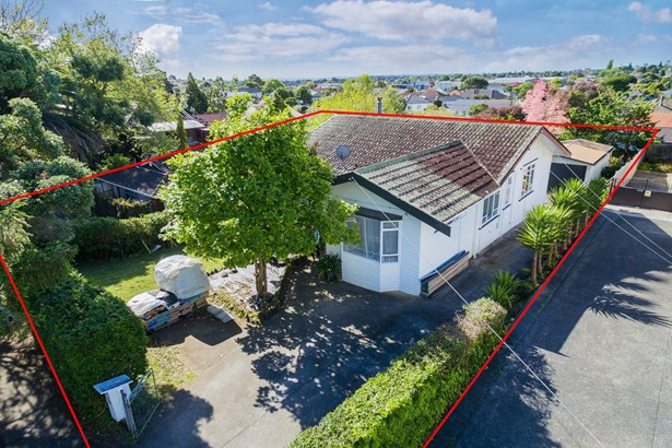 14 & 14a Keystone Avenue, Three Kings, Auckland - NZL (photo 4)