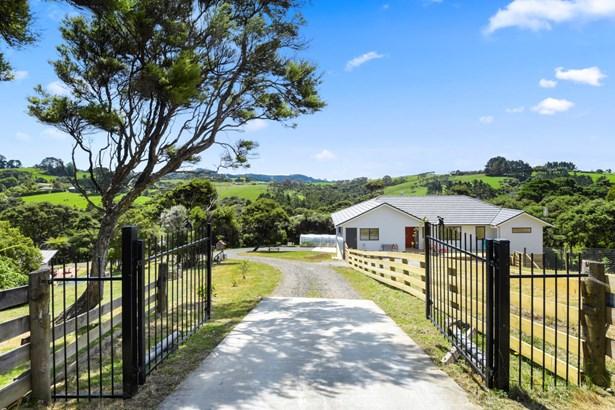 47 Bethells Road, Waitakere, Auckland - NZL (photo 1)