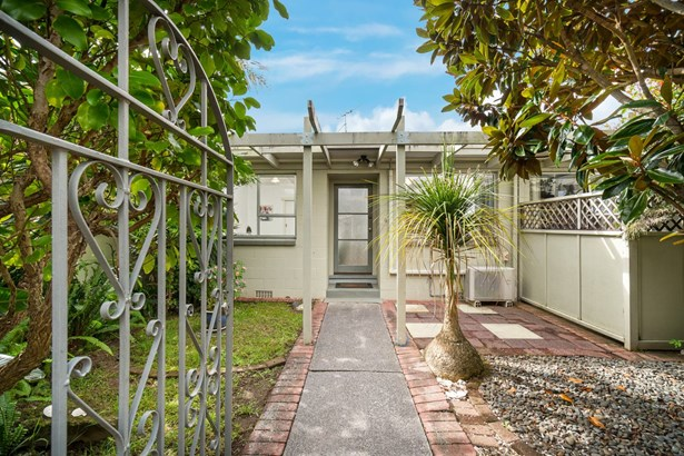 9/49a Amaru Road, One Tree Hill, Auckland - NZL (photo 3)