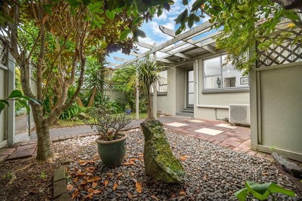 9/49a Amaru Road, One Tree Hill, Auckland - NZL (photo 4)