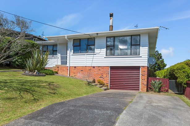 24 School Road, Te Atatu South, Auckland - NZL (photo 1)